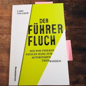 """Buchbesprechung Lars Vollmer """"Der Führerfluch"""""""